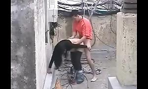 Brave man gets girl to fuck in the construction site /100dates