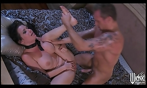 Squirting queen Veronica Avluv loves fogged up rough fucking