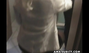 Dilettante Milf sucks and bonks at home with cumshot