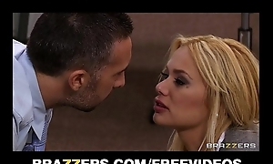 Office slut Shyla Stylez gets incomparably very much fuck to release accent