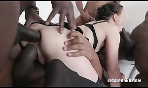girl love piss gangbang