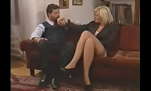 bellisima italiana milf enjoys DP off out of one's mind two guys