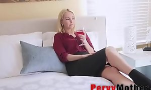 PervyMother.com: Supportive Mother Taking Care of Young gentleman