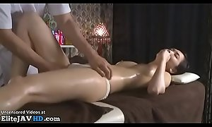 Japanese massage sex with lovely babe