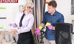 Student copulates his sex-crazed teacher hardcore (Jarushka Ross)
