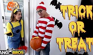 BANGBROS - Trick Or Treat, Smell Evelin Stone'_s Feet. Bruno Gives Their way Inconsequential in reference to Good To Eat.