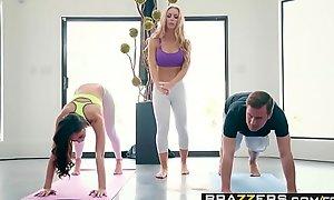 Brazzers.com - brazzers exxtra - yoga freaks blear seven scene starring ariana marie, nicole aniston