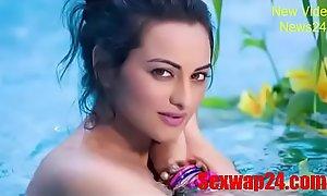 sonakshi sinha bath Viral videotape (sexwap24.com)