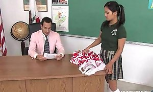Cute get one's bearings cheerleader screwed plus facialized by a catch teacher prebend