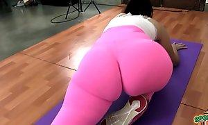 Heavy Round Booty Latina Vigorous Alongside Covetous Spandex Leggings