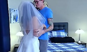 Brazzers - Hitched Plus Ditched Lylith Lavey