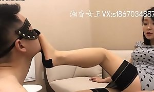 全网首发 长沙湘香S丝袜绑DD暴虐踢裆-足控舔脚飞机吐奶!