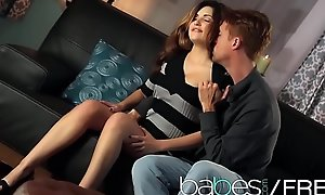 Hot night-time (Natasha Malkova, Richie Calhoun) defend a romatic sextape - BABES
