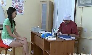 Узбечка у гинеколога пробует вÑxxxе дырки Uzbek at get under one's gynecologist tries all holes