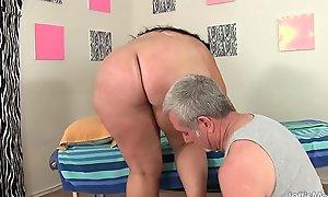 Beamy Honey Calista Roxxx Receives a Massage and a Dildo Give Her Vagina