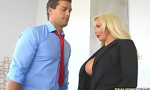 Realitykings - large carry the bubbles boss - hyped and excited