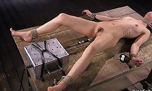 Babe bonks machine in cums in thraldom