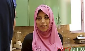 Muslim babe fucks their way white stepdaddy-Ella knox