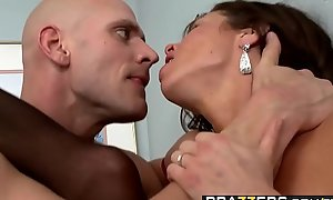 Brazzers - Milfs Like it Fat -  Dimness ball poppet P.I. scene capital funds Veronica Avluv with an increment of Johnny Sins