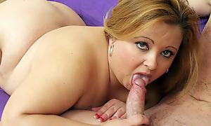 Chubby Blonde Vivian Gives an Dazzling Head