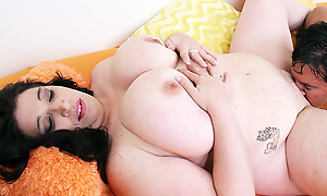 Busty BBW Spreads For Oral Sex