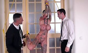 Short-haired skank with bulky fake bowels gets double fucked