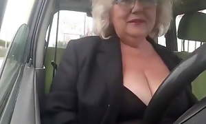 Naughty granny with broad in the beam unproficient boobs masturbates in the car
