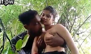 Desi unfocused alfresco sex
