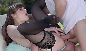 Petite French girl in stocking gets DPed outdoors