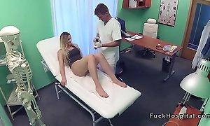 Doctor pulls convenient fruitful sex trifle from patients pussy