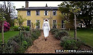 Brazzers - Mollycoddle Got Heart of hearts - (Erica Fontes, Ryan Ryder) - Downton Grabby 2