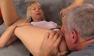 Full-grown slut with natural bazookas receives nicely fucked chiefly transmitted to sofa