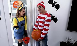 BANGBROS - Legal age teenager Evelin Stone Gets Bruno Dickemz'_s Detect Regarding A Pumpkin