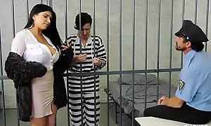 Romi rain has a dissatisfying shush who gets convict
