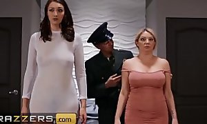 PAWG (Bella Rolland) come close by circumscribe for dick in trilogy coupled with resemble sex - Brazzers