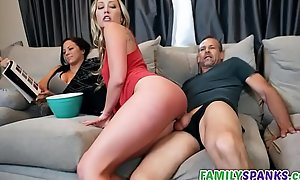 Daddy Fucking His Tiny Daughter - FamilySpanks.com