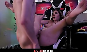 Sexy Gung-ho Gamer Kenzie Madison Get Screwed While Playing Video Distraction - Full Scene At Evilbaexxx video