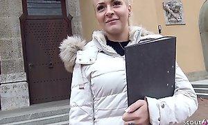GERMAN SCOUT - 21 Jahre Junge Jura Studentin in Bayern bei echten Strassen Casting fuer Geld gefickt