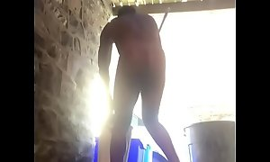 Naked open-air cleaning