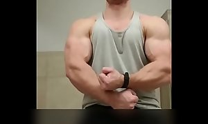hotmuscles6t9 like one another off huge muscles