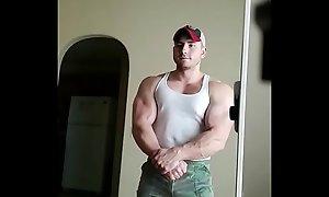Huge Muscle Stud!
