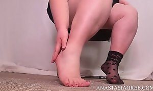 misstress wide feet