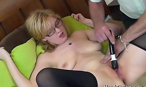 Blonde Toddler anent Great Bosom Gets Muff Palpate To Real Orgasm