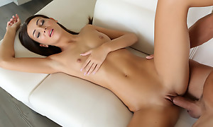 Sex kitten Alexis Topping gets her creamy bare pussy eaten out then filled together with fucked surcease renowned a puffy be full oral sex
