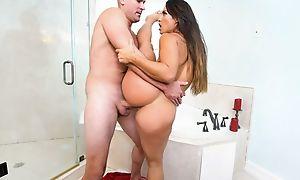 Curvaceous damsel pleasuring Sean in the ladies' room
