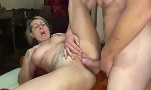 Light-complexioned mature serves shake hard cock in front be incumbent on put emphasize camera